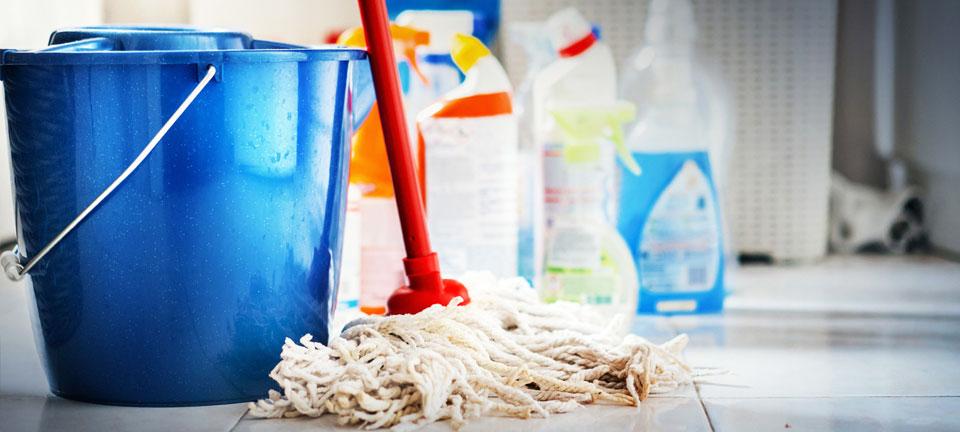Limpeza e acessorios na Polli Materiais de Construção, Farroupilha RS